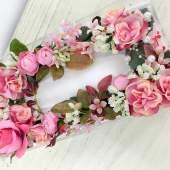 (作品例)お花、草木、パールがたっぷりで華やかな印象です。