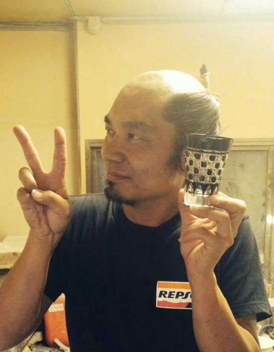 江戸切子への思いは熱いですが、丁寧な指導を心がけていますので、どうぞお気軽にお越しください。