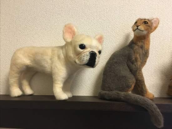 メディア出演豊富でテレビ番組に商品をお貸し出しされている主宰島史彦さんの作品もご覧いただけます。ご自身も愛犬家、愛猫家でいらっしゃいますので、愛くるしい作品に癒やされます。