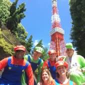 東京タワーを背景にパシャリ。時間内に戻って来れるお好きな場所へいってらっしゃい。
