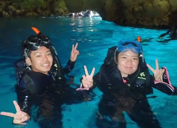 人気の青の洞窟シュノーケル&シーウォークセット